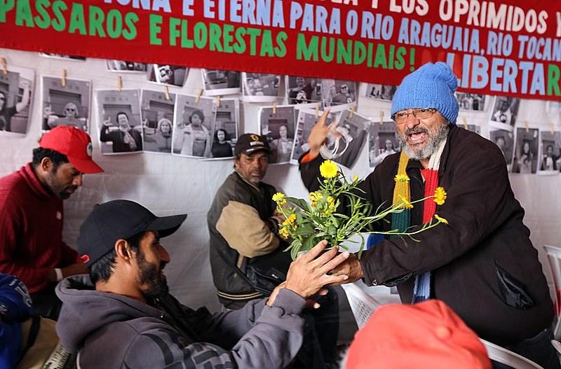 O ativista ecopolítico Aguiar da Conceição realiza roda de conversa na Vigília Lula Livre