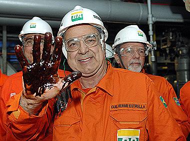 Ex-diretor da Petrobrás, Estrella é reconhecido no setor do petróleo