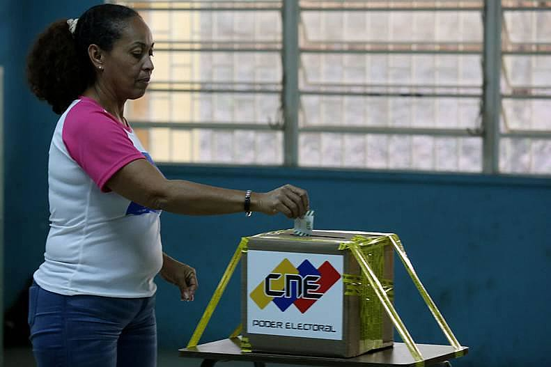 Participaram das eleições 51 partidos e organizações políticas
