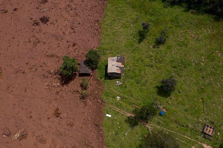 Vista área da área atingida pelo rompimento da barragem do Córrego do Feijão, em Brumadinho (MG)