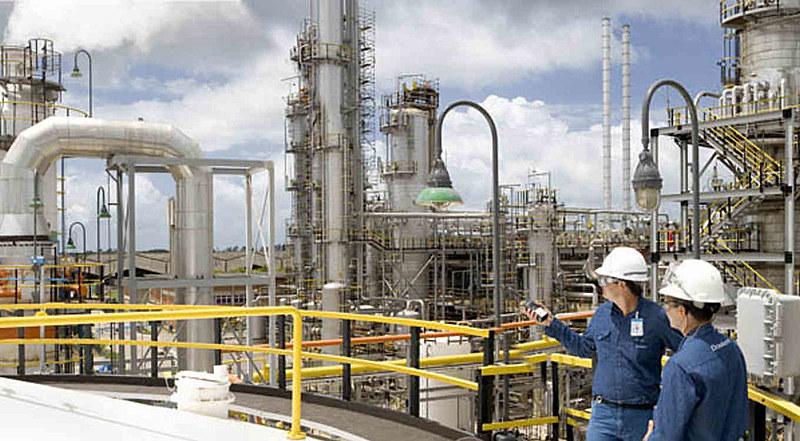 A Braskem é hoje a sexta maior companhia do mundo no setor petroquímico. A Odebrecht tem 38,3% da empresa e deve vendê-la