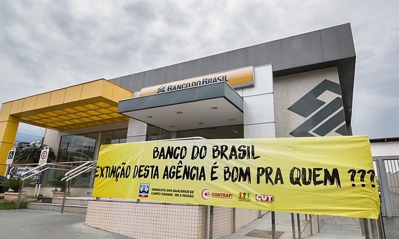 Trabalhadores protestam contra fechamento de agência no Mato Grosso do Sul