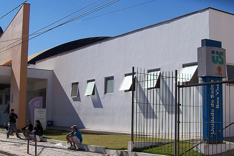 Segundo projeto enviado por Greca, organizações sociais poderão atuar em unidades de saúde e na educação municipal.