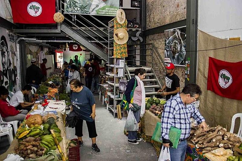 Nesta quarta edição, vai haver feira de produtos in natura e processados dos assentamentos e acampamentos do MSTdo estado do Rio de Janeiro
