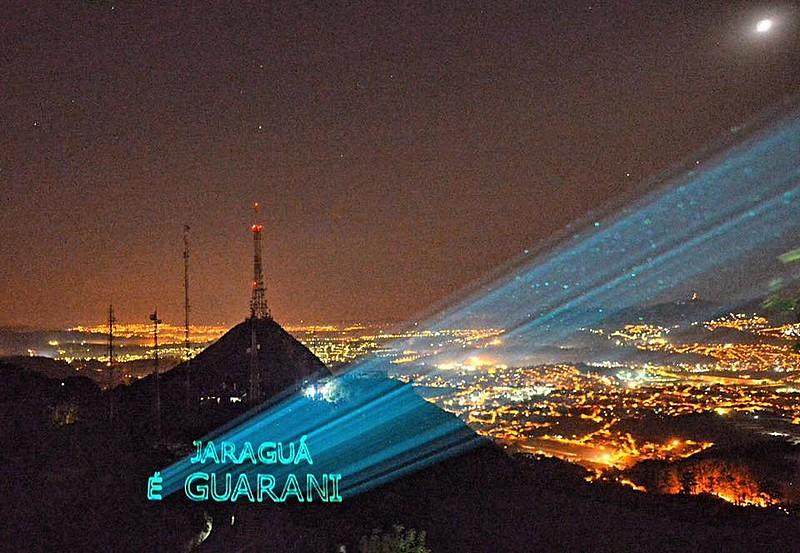 Protesto com laser ressalta que Jaraguá é Guarani