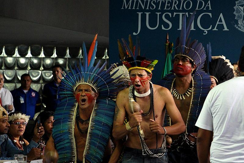 """""""A Lei Maior, no tocante aos povos indígenas, é negligenciada de modo sistemático, em especial no tocante ao alcance do direito à terra"""""""