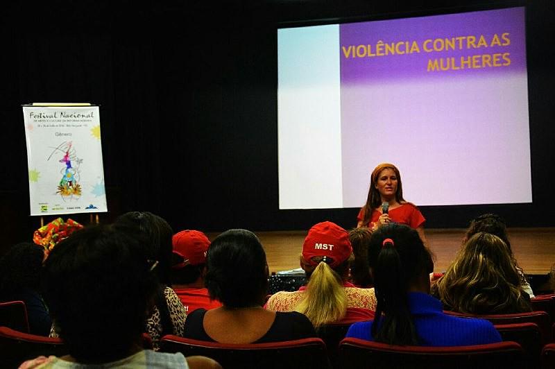 Debate aconteceu nesta sexta-feira, 22, no Centro Cultural da Universidade Federal de Minas Gerais (UFMG)