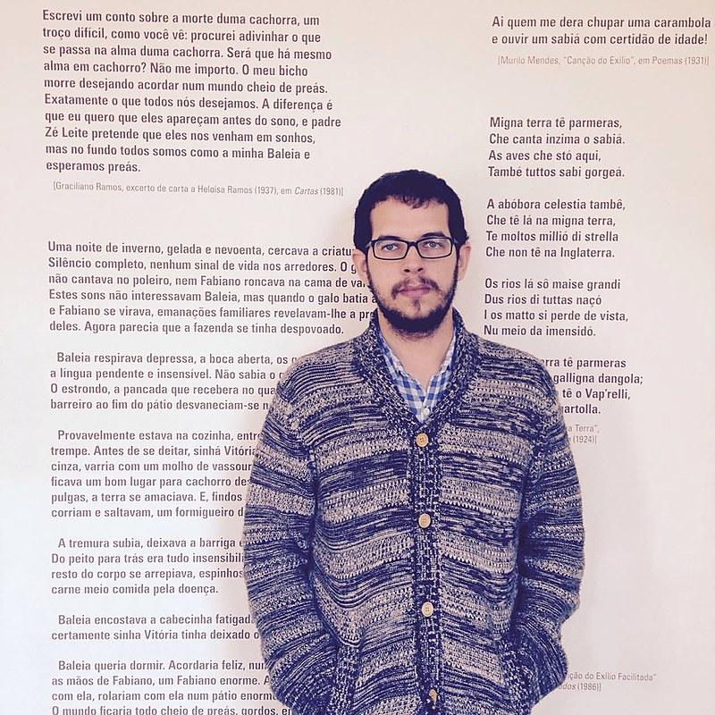 Roberto Efrem Filho - ou Beto, como gosta - é do Recife e, vez ou outra, atrapalha-se com as palavras, nas redes sociais ou, agora, nestas páginas