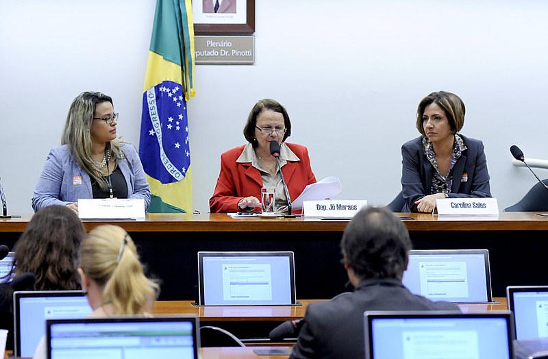 'Distritão' fará Brasil voltar à era dos coronéis