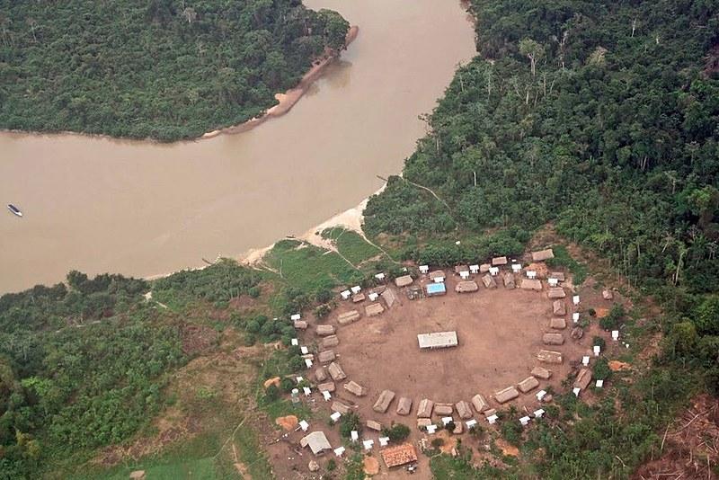 Terra Indígena Trincheira-Bacajá enfrenta invasões de madeireiros e grileiros, em São Félix do Xingu.