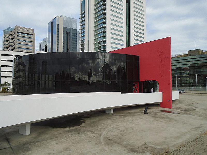 Celebração traz mostra de maquetes de obras de Niemeyer; ato comemorativo será às 17h do dia 26 de outubro