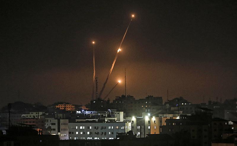Maioria das vítimas fatais, entre elas civis, estão no lado palestino. Segundo levantamento, 25 pessoas morreram em decorrência dos ataques