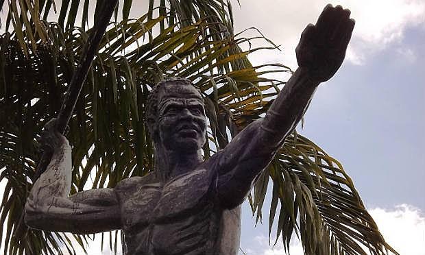 Estátua em homenagem a Zumbi em União dos Palmares (AL)