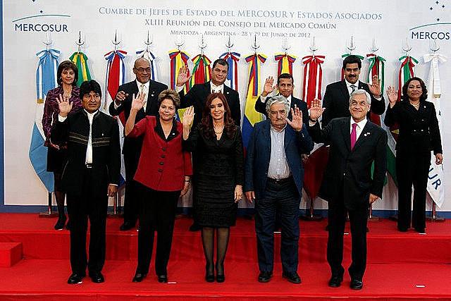 El fortalecimiento de instituciones regionales como el Mercosur, UNASUR y la CELAC es uno de los principales ejes del Plan Popular