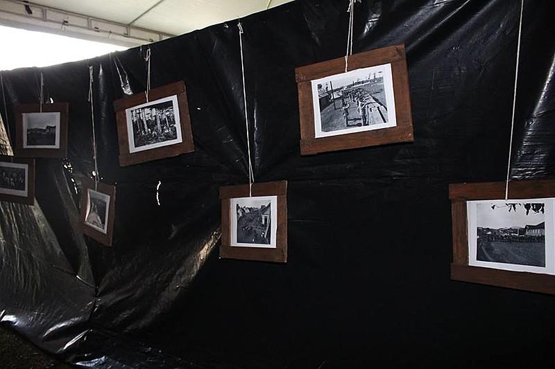 Túnel do Tempo, na Jornada de Agroecologia, com fotos, maquetes, mapas, réplicas da alimentação e das vestimentas da época