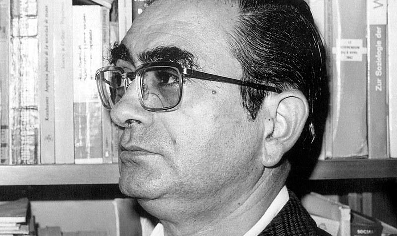 """Florestan Fernandes escreveu obras como """"A revolução burguesa no Brasil"""" e """"O negro no mundo dos brancos"""""""