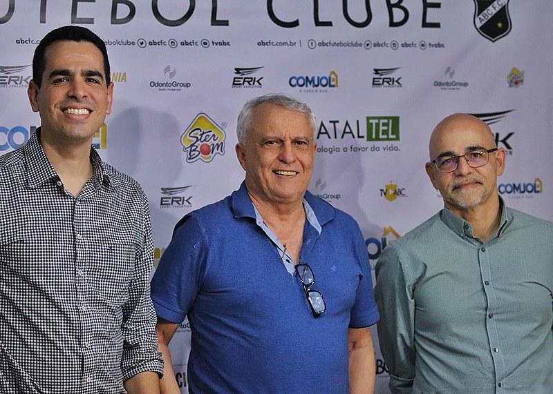 Marcelo Sant'Ana, presidente Fernando Suassuna e Marcelo Barros
