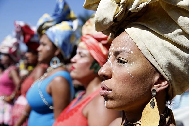 Desconstruir esterótipos e destacar o passado glorioso de rainhas e reis africanos, esse é um dos desafios propostos por pesquisador