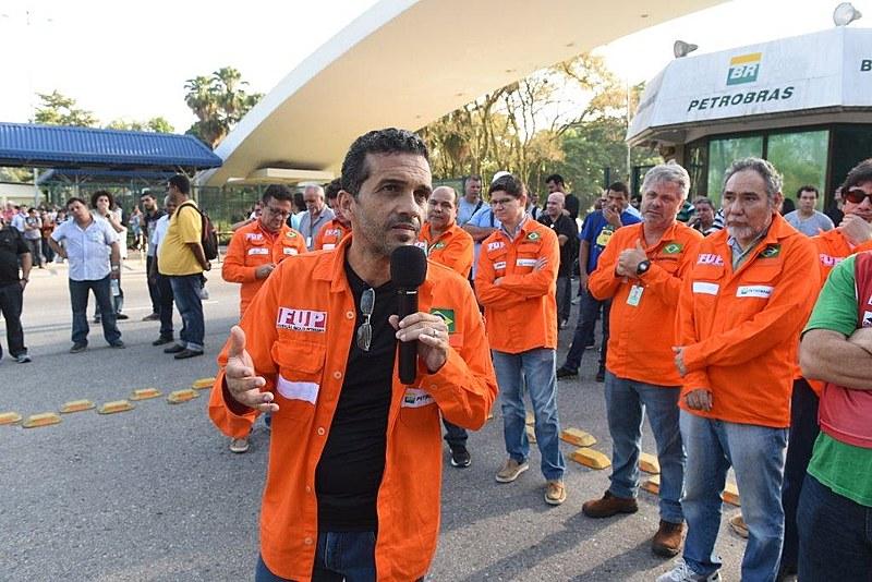 José Maria Rangel, coordenador da FUP, durante ato dos petroleiros