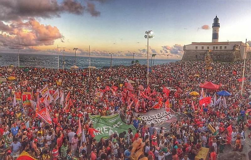 Ato em Salvador contou com mais de 50 mil pessoas