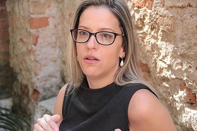 """Ela é autora do recém lançado livro """"Amanhã vai ser maior: O que aconteceu com o Brasil e possíveis rotas de fuga para a crise atual"""""""