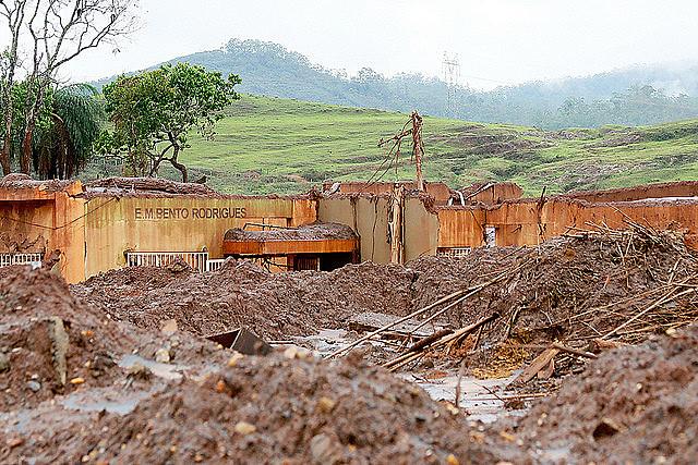 Grupos de pesquisa se debruçaram sobre os acontecimentos para compreender os efeitos do desastre no meio ambiente e na saúde dos habitantes