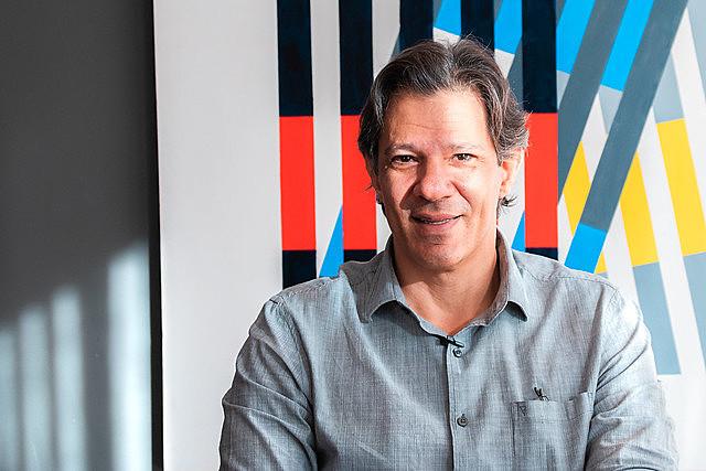 Fernando Haddad é ex-ministro da Educação (2005-2012) e ex-prefeito de São Paulo (SP) e foi candidato a presidência da república (2018)