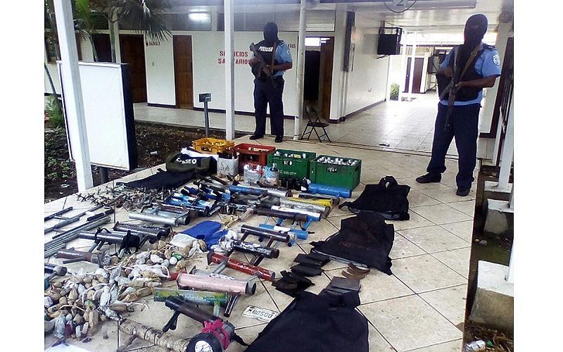 Polícia Nacional divulgou imagens de armamento encontrado dentro da Universidade Nacional Autônoma de Manágua, onde opositores se reuniam