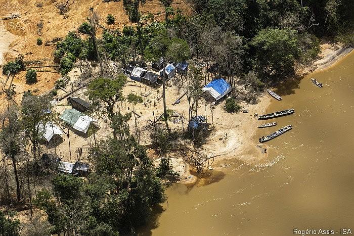Governo Bolsonaro pretende legalizar a mineração em terras indígenas