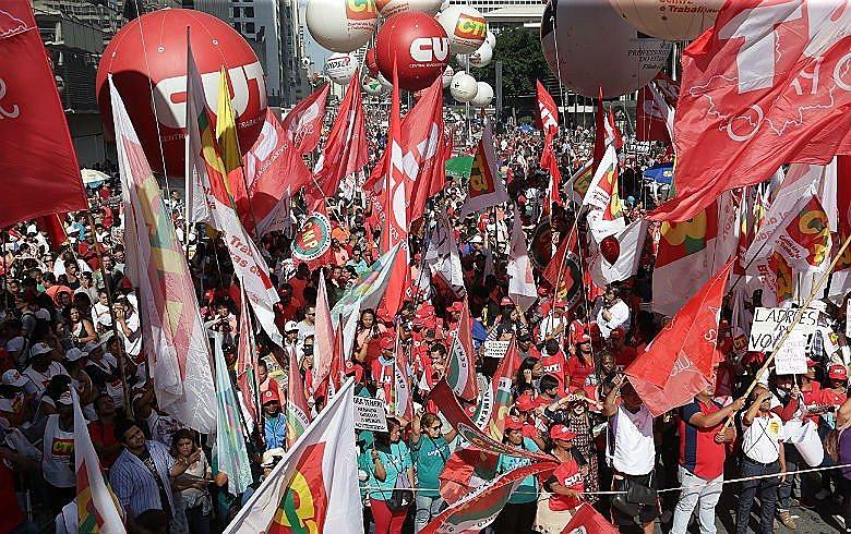 Num cenário tão difícil, o 1º de maio é uma forma de dar uma resposta aos desmandos de Bolsonaro