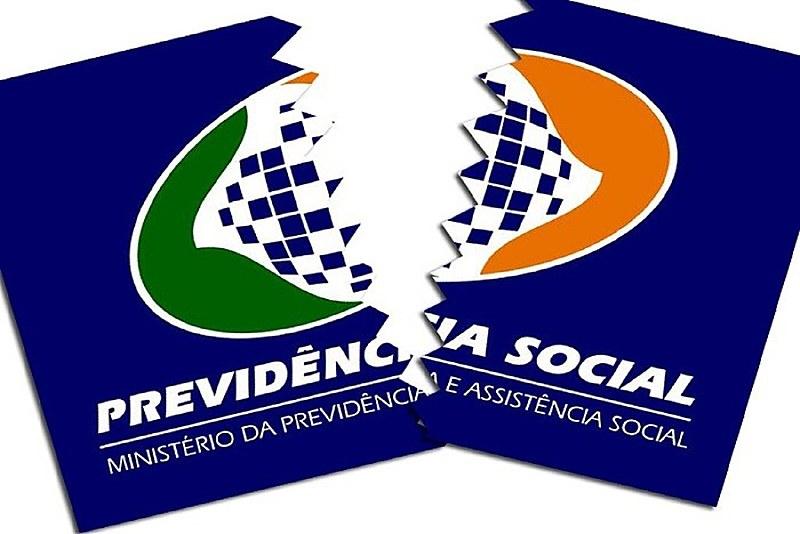 """""""Temos hoje o candidato Bolsonaro defendendo a retirada de direitos dos trabalhadores. A bancada do partido dele é uma das maiores."""""""