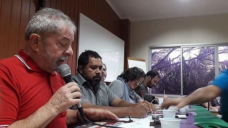"""Lula: """"E se daqui 50 dias Dilma volta? Ele [Temer] desmontou o governo e as empresas estatais"""""""