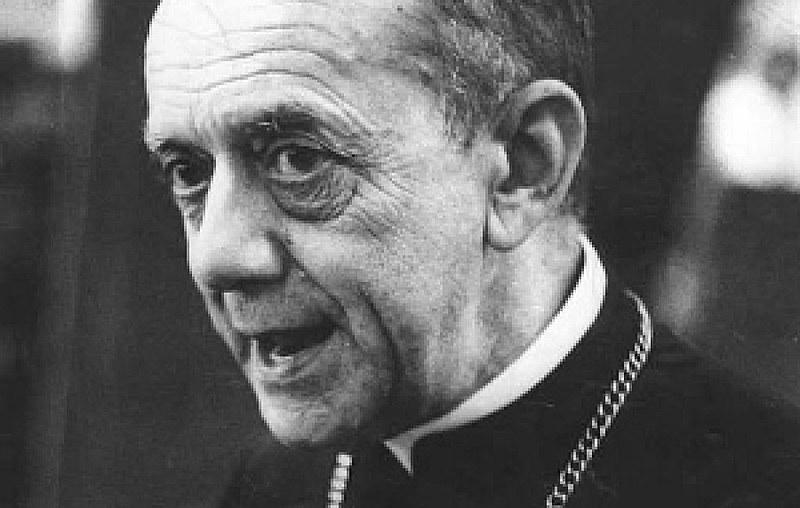 """""""Dom Helder, arcebispo emérito de Olinda e Recife, profeta da não violência e da ação justiça e paz"""""""