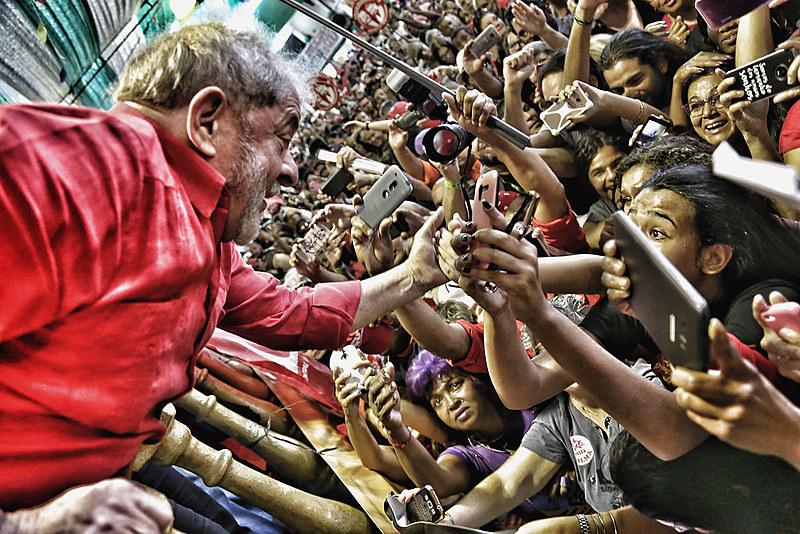 Em seu discurso, Lula fez críticas à perseguição que vem sofrendo nos últimos meses e à sentença determinada pelo juiz Sérgio Moro