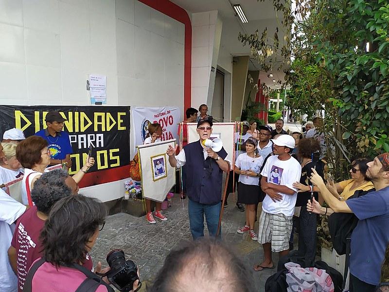 O padre Júlio Lancellotti coordenou a manifestação, na zona leste de São Paulo
