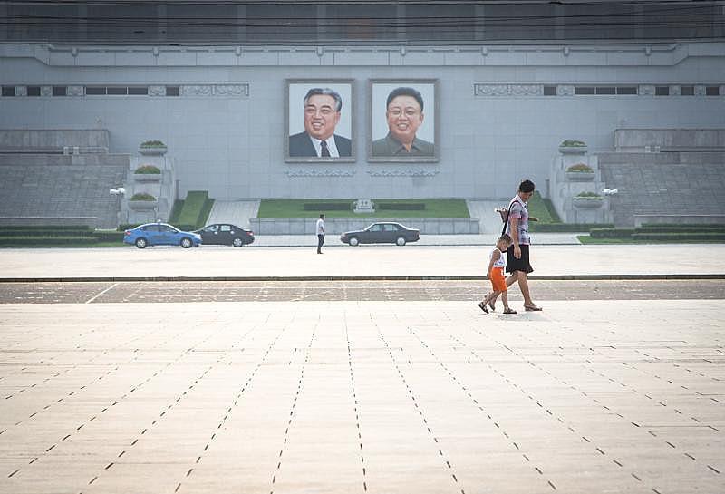 """""""Pudessem, os coreanos prefeririam investir os escassos recursos do país em setores produtivos"""", afirma Ferreira."""