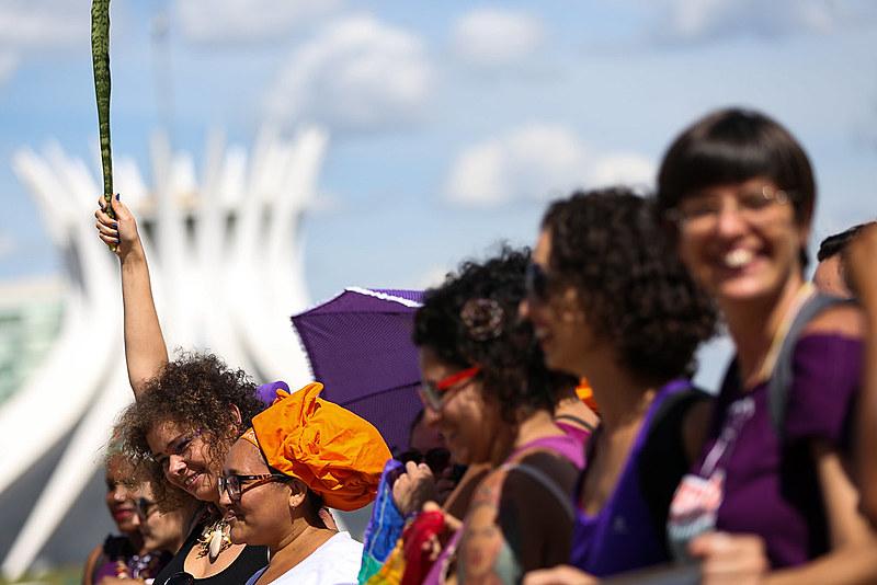 Mulheres são a maioria dos eleitores, mas ainda estão subrepresentadas na política