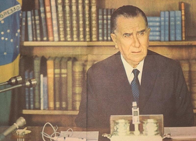 O general Emílio Garrastazu Médici, apoiou integralmente a derrubada do presidente constitucional Salvador Allende no Chile