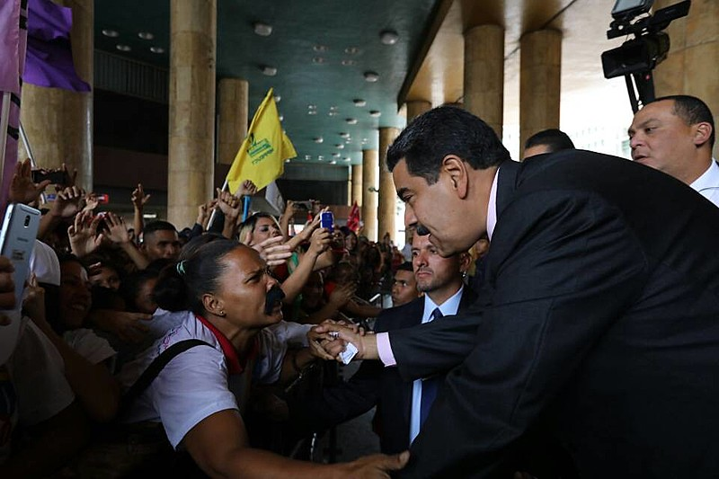 Cerimônia será dividida em três atos; clima em Caracas é de normalidade