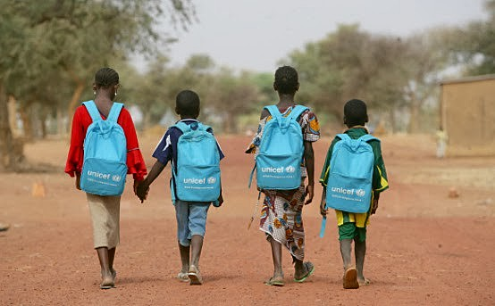 As crianças que vivem em pobreza extrema estão concentradas sobretudo na África Subsaariana, onde 49% das crianças vivem nesse estado