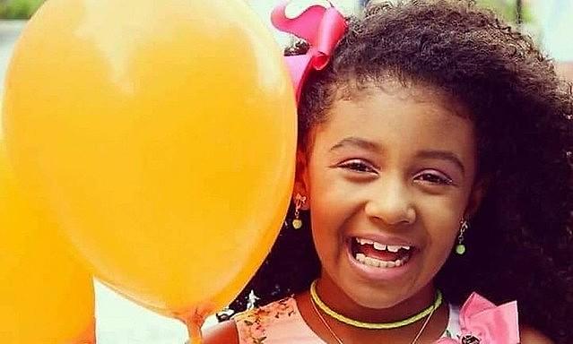 Ágatha Vitória Sales Félix, de oito anos, morreu no dia 20 de setembro deste ano ao ser baleada por um tiro de fuzil, no Complexo Alemão