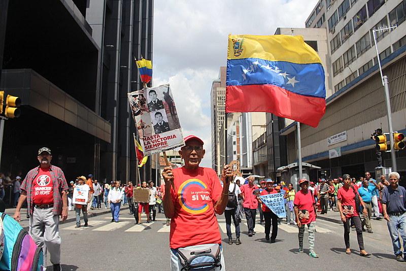 Milhares de venezuelanos celebraram o desligamento, anunciado há dois anos