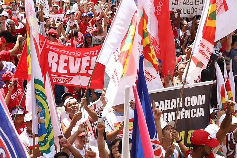 Caravanas de vários estados devem chegar a Brasília para a manifestação desta quarta-feira (30)