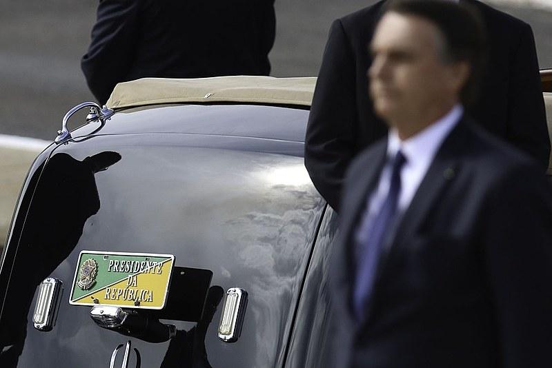 Relações perigosas de Bolsonaro vieram mais uma vez à tona