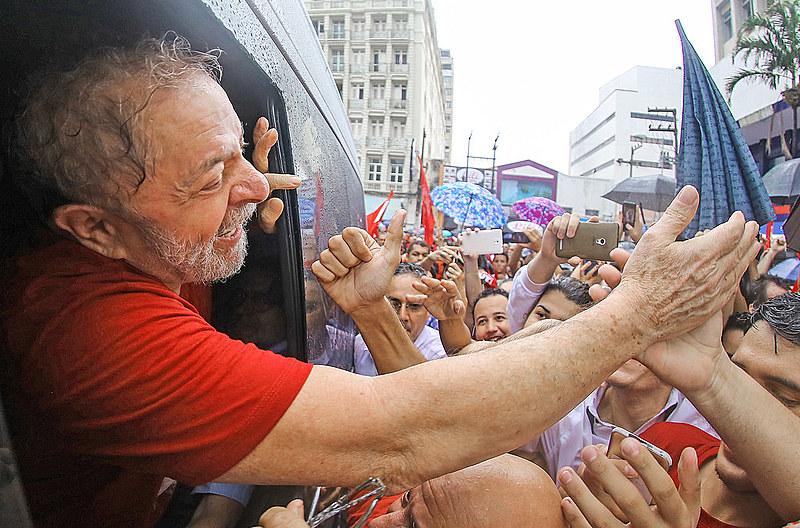 A consulta mostra que mais de um terço dos eleitores (34%) não sabem em quem votar caso a candidatura de Lula seja impedida.