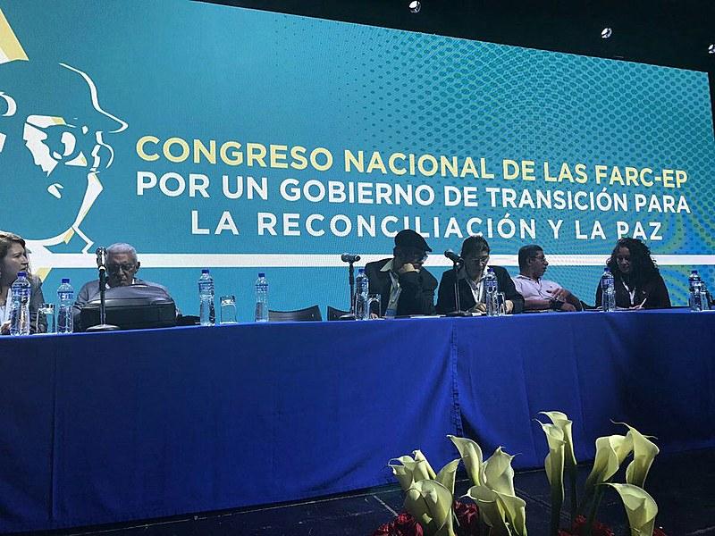 Mesa de abertura do Congresso das FARC; evento reúne 1200 delegados da organização, 200 convidados internacionais e 400 jornalistas