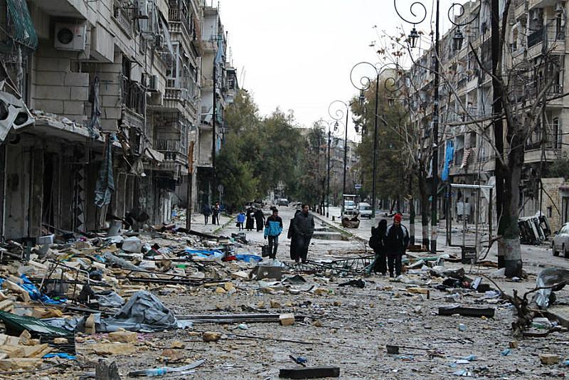 De acordo com o Observatório de Direitos Humanos Sírio, o governo de Bashar al Assad conseguiu o controle de 90% do leste de Aleppo