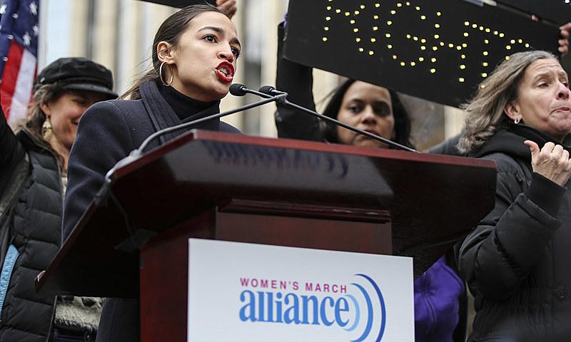 Alexandria Ocasio-Cortez é novamente apontada como a estrela dessa nova esquerda – do socialismo à americana
