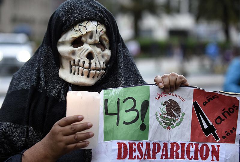 43 estudantes estão desaparecidos deste a noite de 26 de setembro de 2014