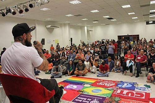 Tico Santa Cruz, em evento promovido pela Frente Brasil Popular